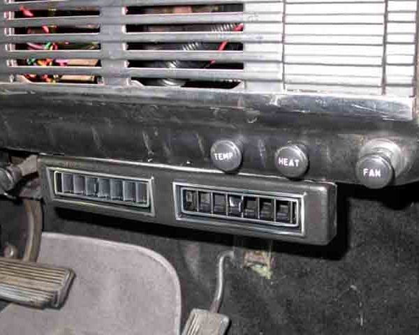 1955 CHEVROLET PICKUP TRUCK CENTER VENTS with perfect fit kit installed
