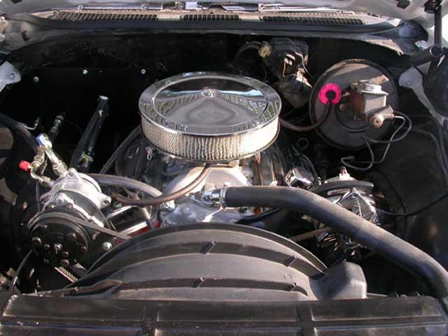 Chevrolet El Camino Engine Bay on 1973 Chevy Truck