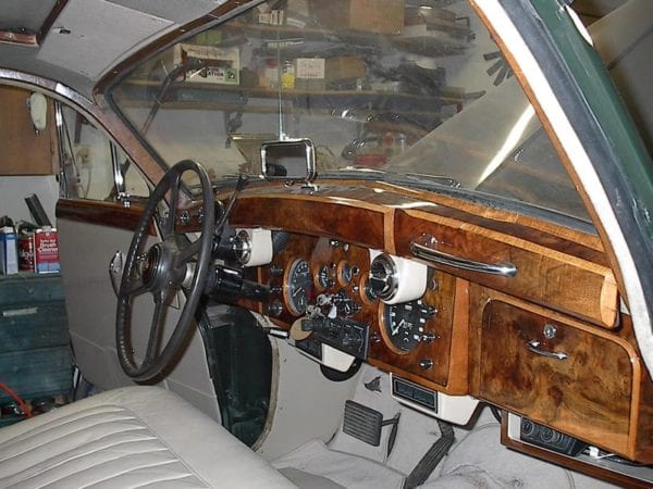 1961 JAGUAR MARK IX INTERIOR