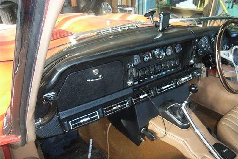 1965 JAGUAR E-TYPE S1 4.2 RHD INTERIOR